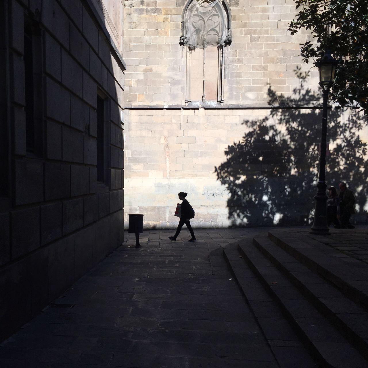 Beautiful stock photos of walk, Barcelona, Day, Full Length, Lamp Post