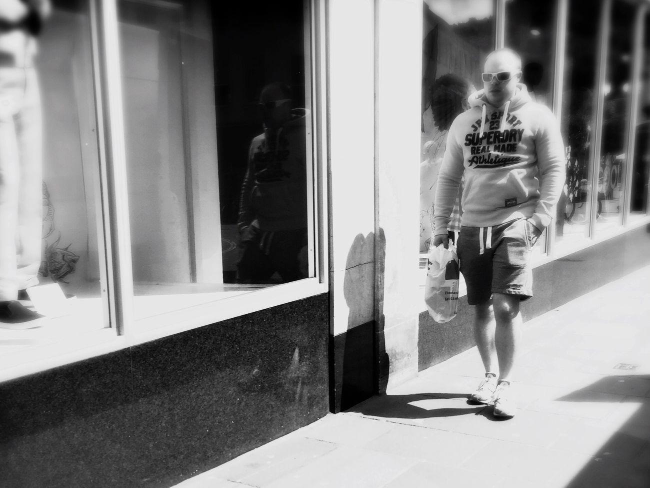 Streetphotography Candid Blackandwhite Shootermag_uk Shootermag Monochrome Streetphoto_bw