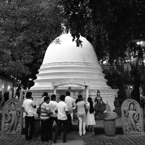 Just before a prayer.... Travel Colombo SriLanka Architizer architecture archilovers archlovers archdaily latergram blackandwhite bw religion Buddhism temples