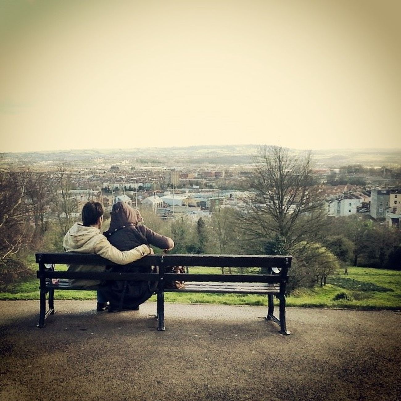 Lovers on a bench. Bristol Cabottower Love Cute couple sorryifthisisyoubecauseitookthephotowithoutyouknowing