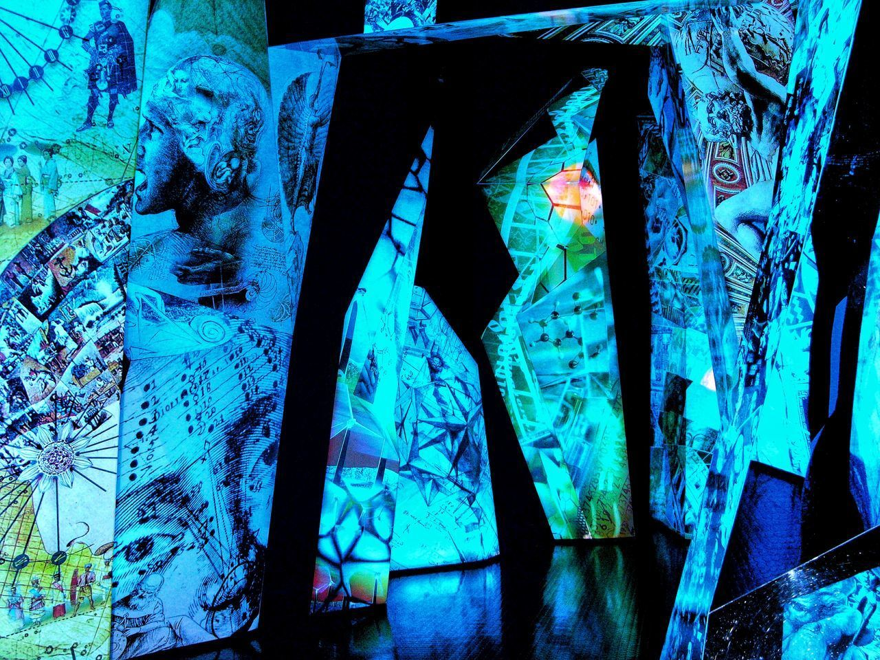 Blue Art Installation Blue Color, Swarovski Museum Kristallwelten Innsbruck Artistic Expression Museo Swarowskj