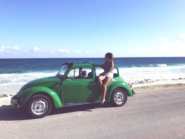 Cozumel 🇲🇽🔥 Cozumel Mexico Nature Playa Volkswagen Trip Latina Portuguesegirl Frenchgirl Travel Photography Sea Real People Horizon Over Water Retro Styled Beauty In Nature Lifestyles