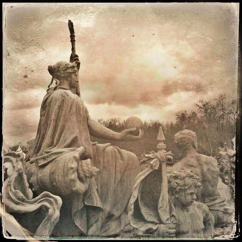 Ranger les bannières et vouloir la paix... by histoiredelph