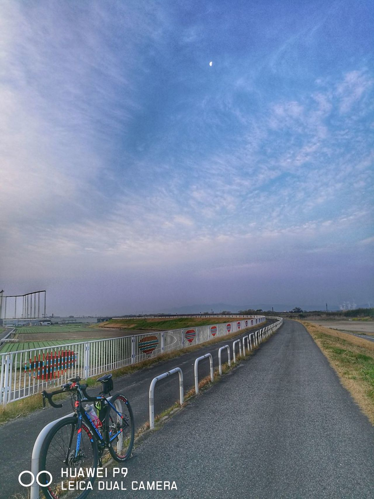 Sky Outdoors Landscape Beauty In Nature No People Nature Springtime Spring Beautiful Road 春 佐賀 River Side Beautiful Beauty In Nature Road 道 空 Moon Bicycle Roadbike Cycling ロードバイク 自転車 Winding Road Cannondale