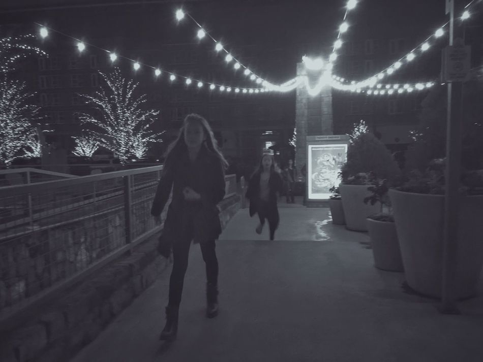 Night Real People Lifestyles Full Length Two People Celebration Men Illuminated Togetherness Outdoors Friendship Architecture People Black & White Black And White Blackandwhite