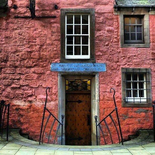 'Olde Wolde' AbbotsHouse Dunfermline Scotland Pink architectureporn buildingporn brickporn Historical Windows igscotland igtube Igers igdaily Tagstagram most_deserving thebestshooter iphonesia photooftheday insta_shutter Instagood icatch instamood instagrammers picoftheday insta_pick