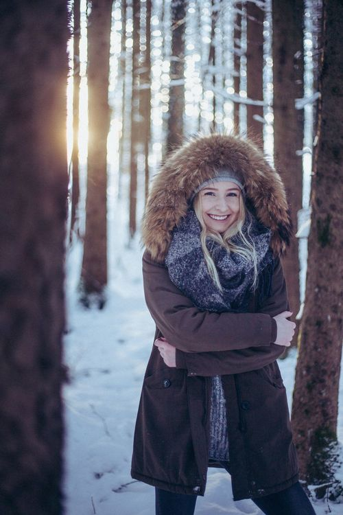 Lifestyles Adult Women Nature Snow One Young Woman Only One Person Looking At Camera Outdoors Beautiful People Portrait Young Women Long Hair Cold Temperature Beautiful Woman Beauty Young Adult Redhead Warm Clothing Winter People EyeEm Best Shots EyeEmNewHere EyeEm Nature Lover EyeEm Selects
