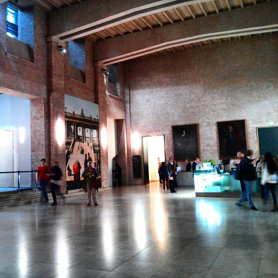 People in a museum Museumspaces Artspaces Altepinakotek Kunstausstellung artexhibit vedutenmalerei caneletto