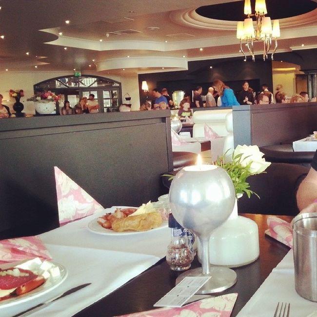 Bon petit déjeuner ! Allemagne Moviepark Vandervalk