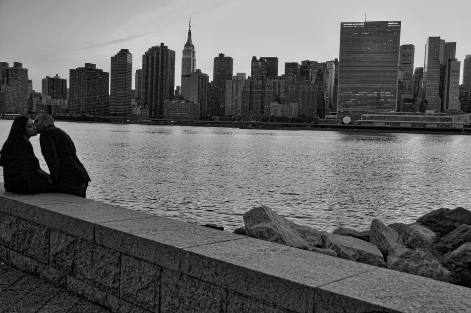 Black And White Couple In New York East River, NYC Love In New York New York City Skyline Romance Romance In New York Un Building