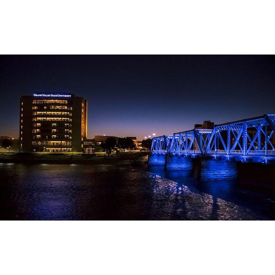 Downtown at dusk Grandrapids GVSU Bluebridge