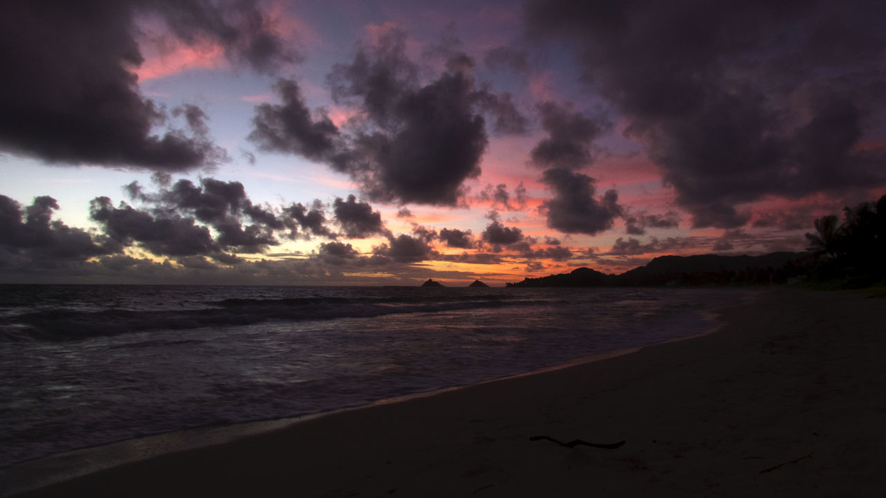 Kailua wakes up quietly! Oahu Kailua! Pacific Sunrise Before Dawn Aloha! Pacific Ocean Kailua Bay Kalama Hawaii