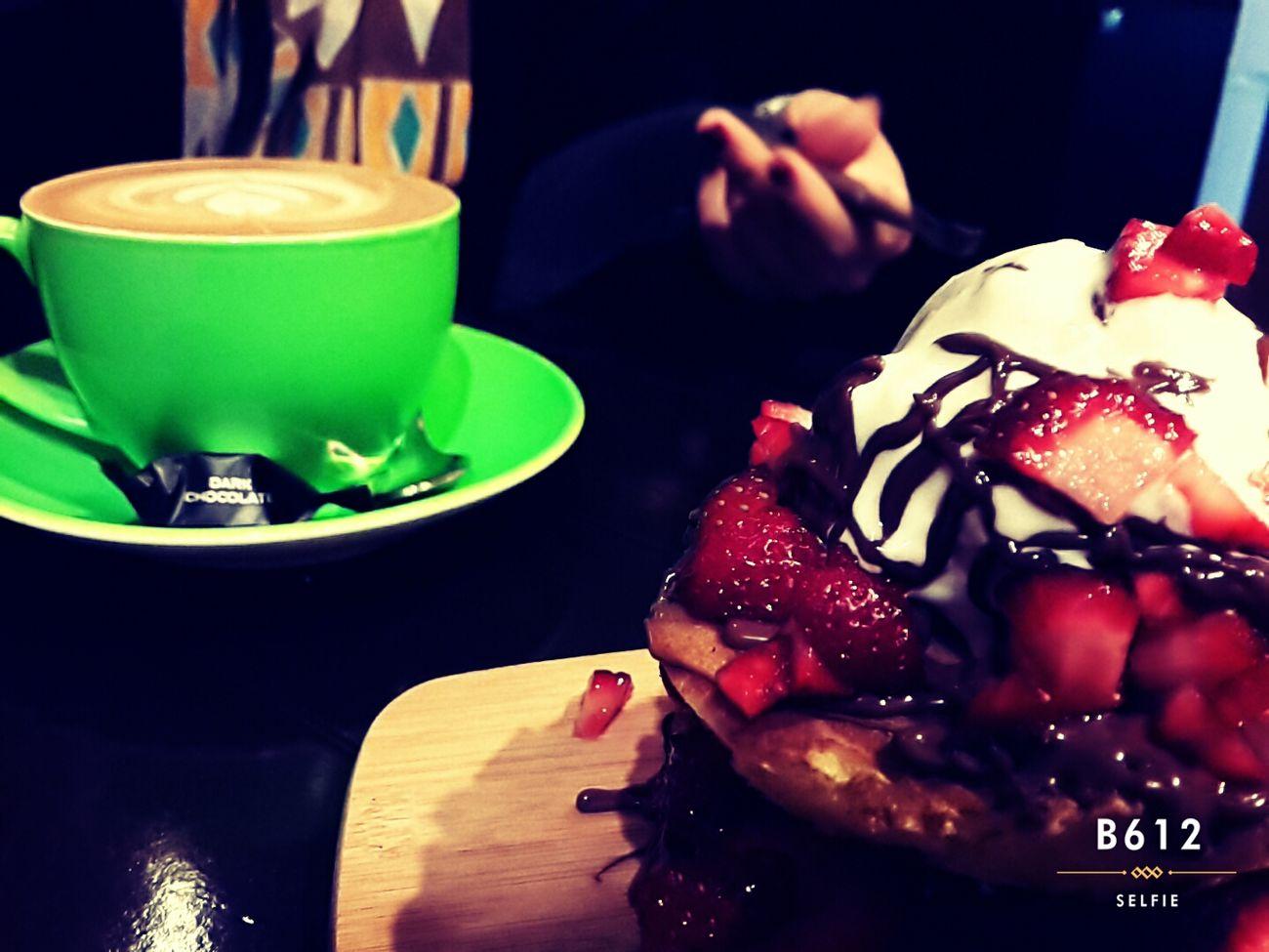 💙🌹Pancakes Green Latte Tea Cafe Time Coffee Shop Friendship Photography Mono Colorful EyeEm Best Shots Enjoying Life Nastaran Spring2015 Samsungphotography Popular EyeEm Gallery
