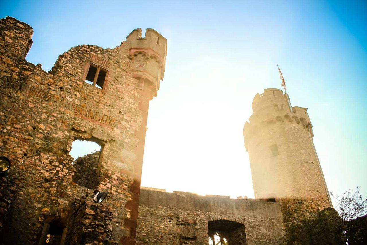 Foggy Sun at Bensheim Castle! Check This Out How's The Weather Today? Fog Enjoying The Sun