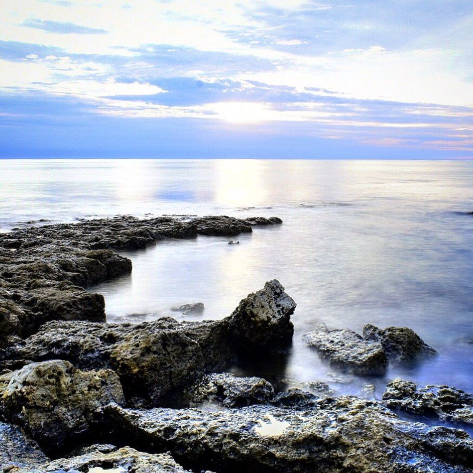 Sea Beauty In Nature Water Nature Sky Scenics Horizon Over Water Cloud - Sky Tranquil Scene Tranquility Rock - Object Outdoors Idyllic No People Day