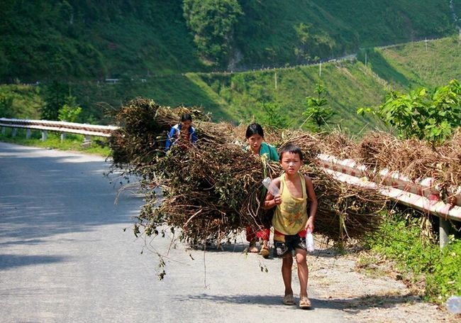 Capture The Moment - Ha Giang, Viet Nam On The Way Home Children Street Photography