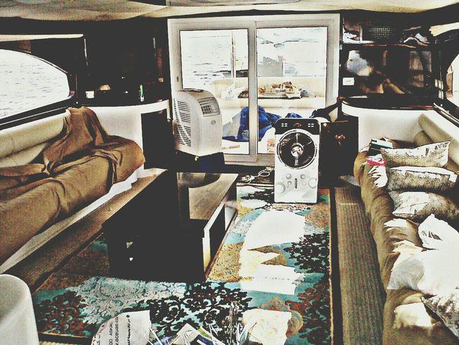 Inside the yacht.. Unitedarabemirates Sealife Abudhabi Lifeinuae Yacht 🌊🌴⛅🌞