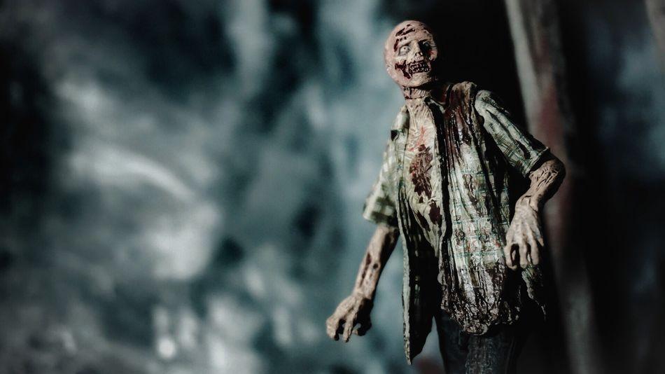 ToyAesthetics CinematicToyPhotography DramaticToyscene Thewalkingdead Zombie Mcfarlanetoys Toyphotography Toycommunity Horror Photography Horror