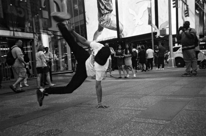 Dancing on the Street of NYC Analogue Photography Arts Culture And Entertainment Blackandwhite Photography Breakdancing City Film Photography Ilford HP5 Plus Men NYC Street NYC Street Photography Outdoors People Performance Real People Skill  Street Street Performance Streetphotography Upside Down