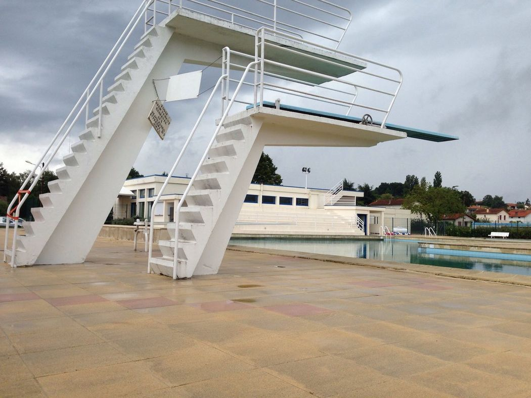 Sunshine in France. Lovely art deco diving boards this summer Hanging Out France Artdeco