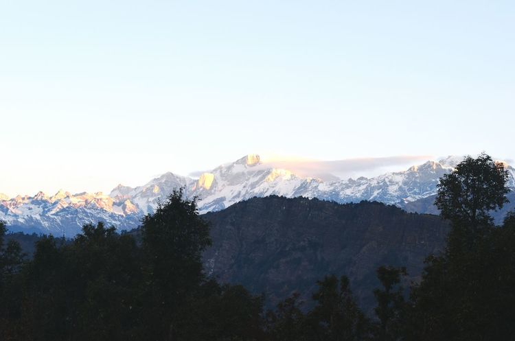 The Great Outdoors With Adobe Himalayas Mountains And Sky Mountain Range Mountain View Peak Peak View Snow Covered Peaks Sunlight Hitting Peak Cloud Far Nature Nature_collection Nature Photography Naturelovers Natural Beauty First Rays Of Sunlight EyeEm Gallery Eye For Photography Natural Beauty! Gold