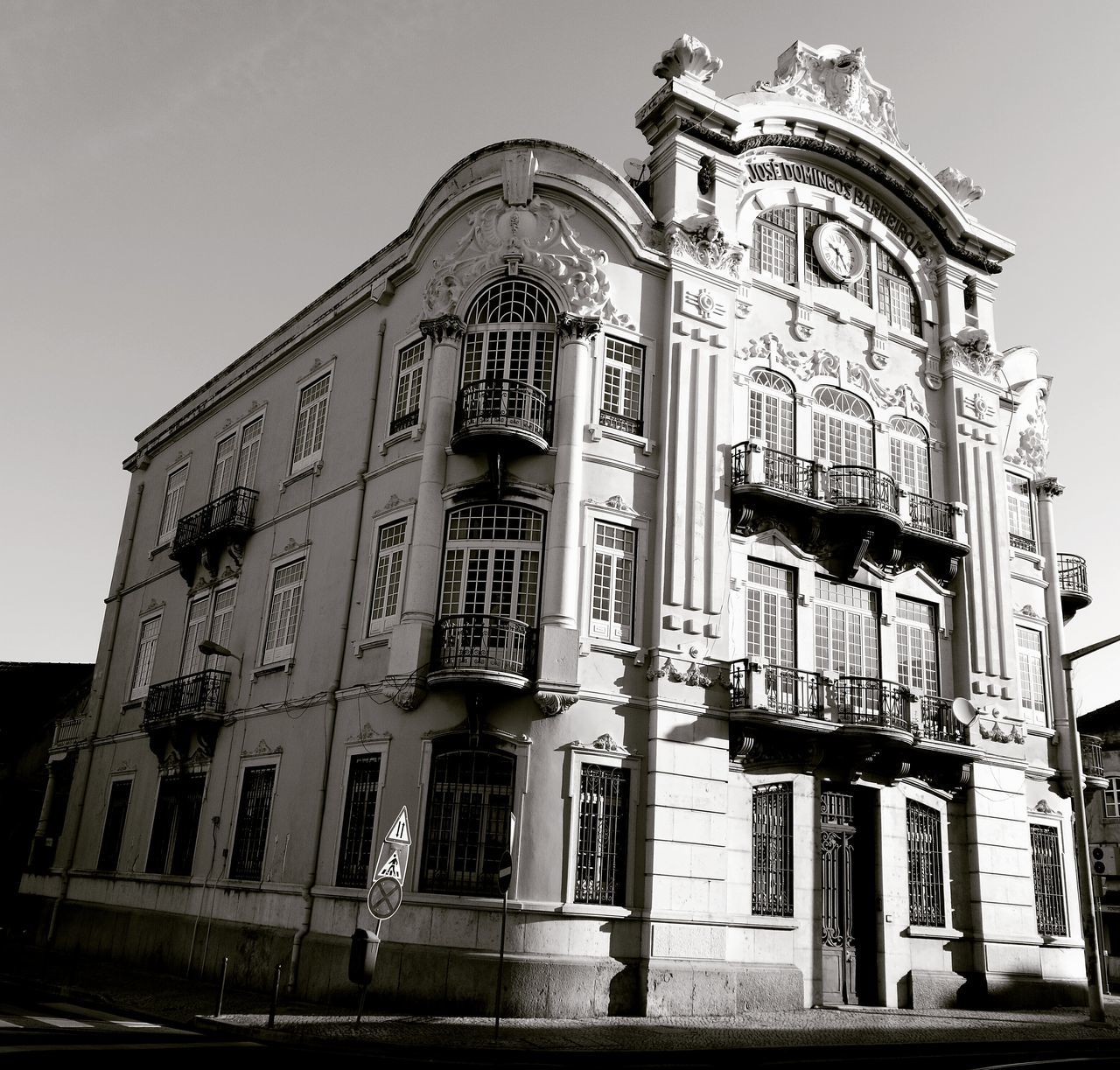 Old-fashioned Low Angle View Architecture Outdoors Day Streetphotography Architecture Lisbon, Portugal Built Structure B&w P&B Marvila Morning Run....