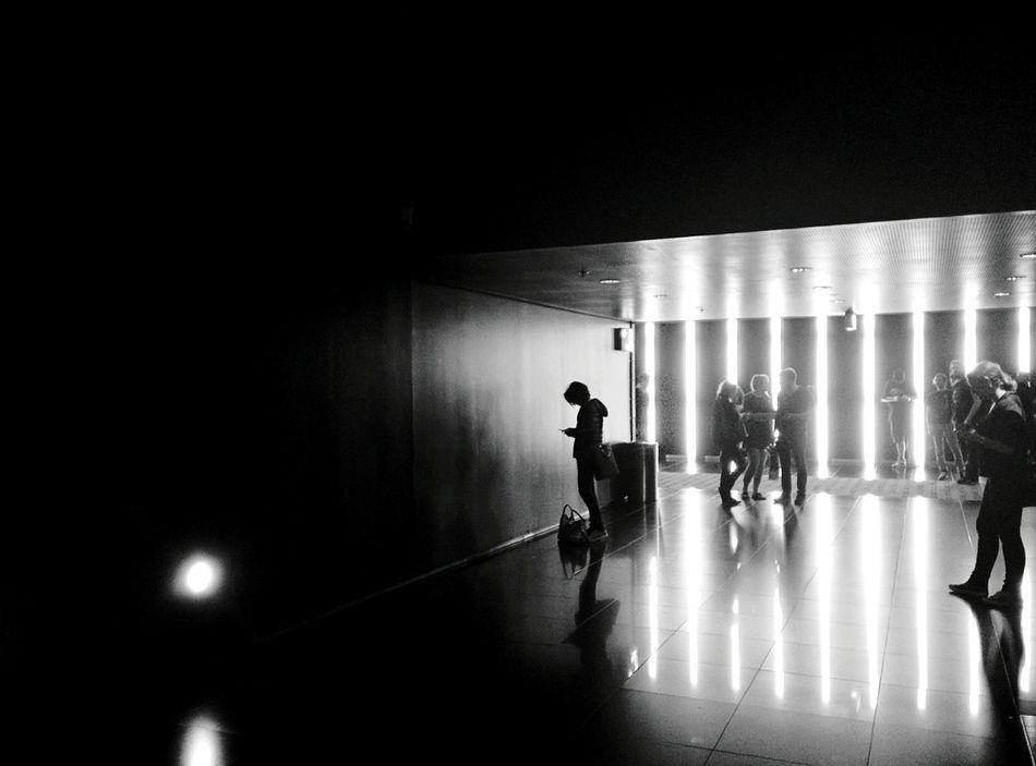 Day 339 - Waiting for the movie to start Berlin Blackandwhite Streetphotography Streetphoto_bw Cinema Cinestar Phone Monochrome Photography 365florianmski 365project Day339