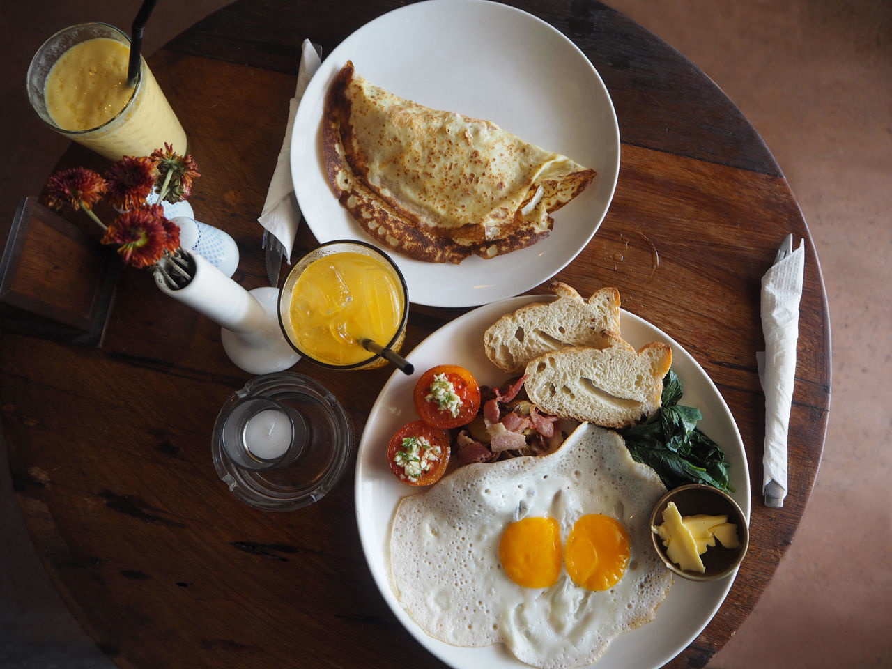 🍹🍳🍞 Travel Bali Bali, Indonesia Breakfast Brunch English Breakfast Exceptional Photographs Food Food And Drink Freshness Fried Egg Healthy Eating High Angle View Indoors  Lifestyles No People On The Table Orange Juice  Ready-to-eat Still Life Table Tadaa Community Toasted Bread Orange Juice  Travel Destinations