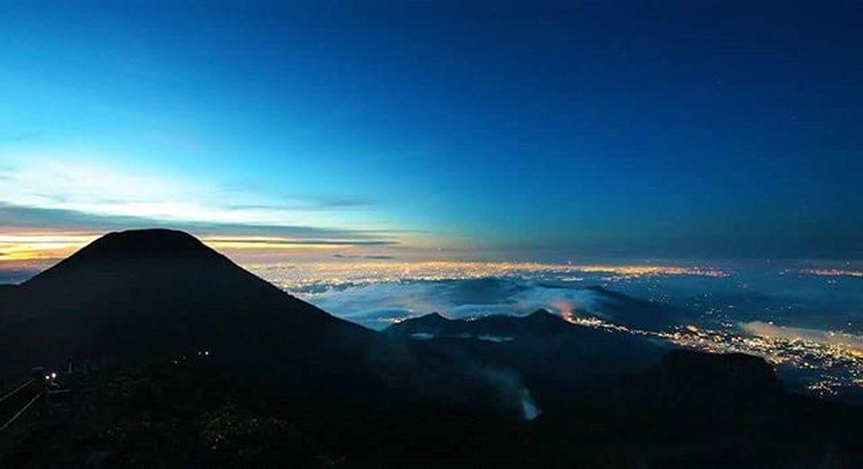 Menyambut malam. Lombafototnggp2016 Gunung Gede Pangrango