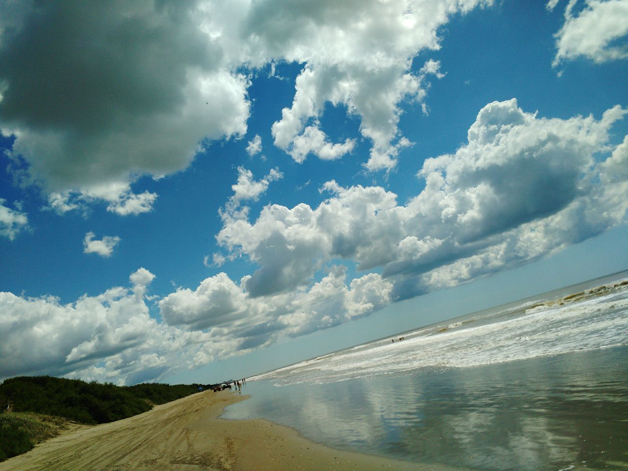 Cloud - Sky Sky Landscape Cloudscape Outdoors No People Nature Scenics Beach Beauty In Nature Water Day Sky_collection Buenos Aires, Argentina  Having A Good Time Sea_collection Buenos Aires, Argentina  Full Length Seascape Shore Nature_collection Vacations Having Fun With Photography Reflection