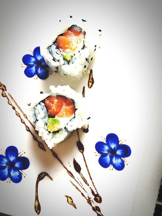 Show Us Your Takeaway! Sushi Take Away Food Love Sushi Dinner Taking Photos Fish Rise Sushi Time Check This Out Enjoying Life Home Relaxing Photography Lago Di Garda HealtyFood Things I Like