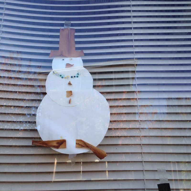 Blinds Christmas City Close-up Day Display Kid Craft Kids Crafts Man Made Object No People No People, Paper Reflection Reflections Small Snowman Snowman⛄ Street Street Photography Street With No People Streetphoto_color Streetphotography White Color Window Window Art
