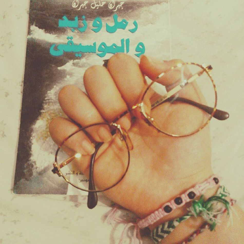 👓 they were my mother's glasses in 1990🔙 to that time, now they 're mine 2015  25years between Old 👓