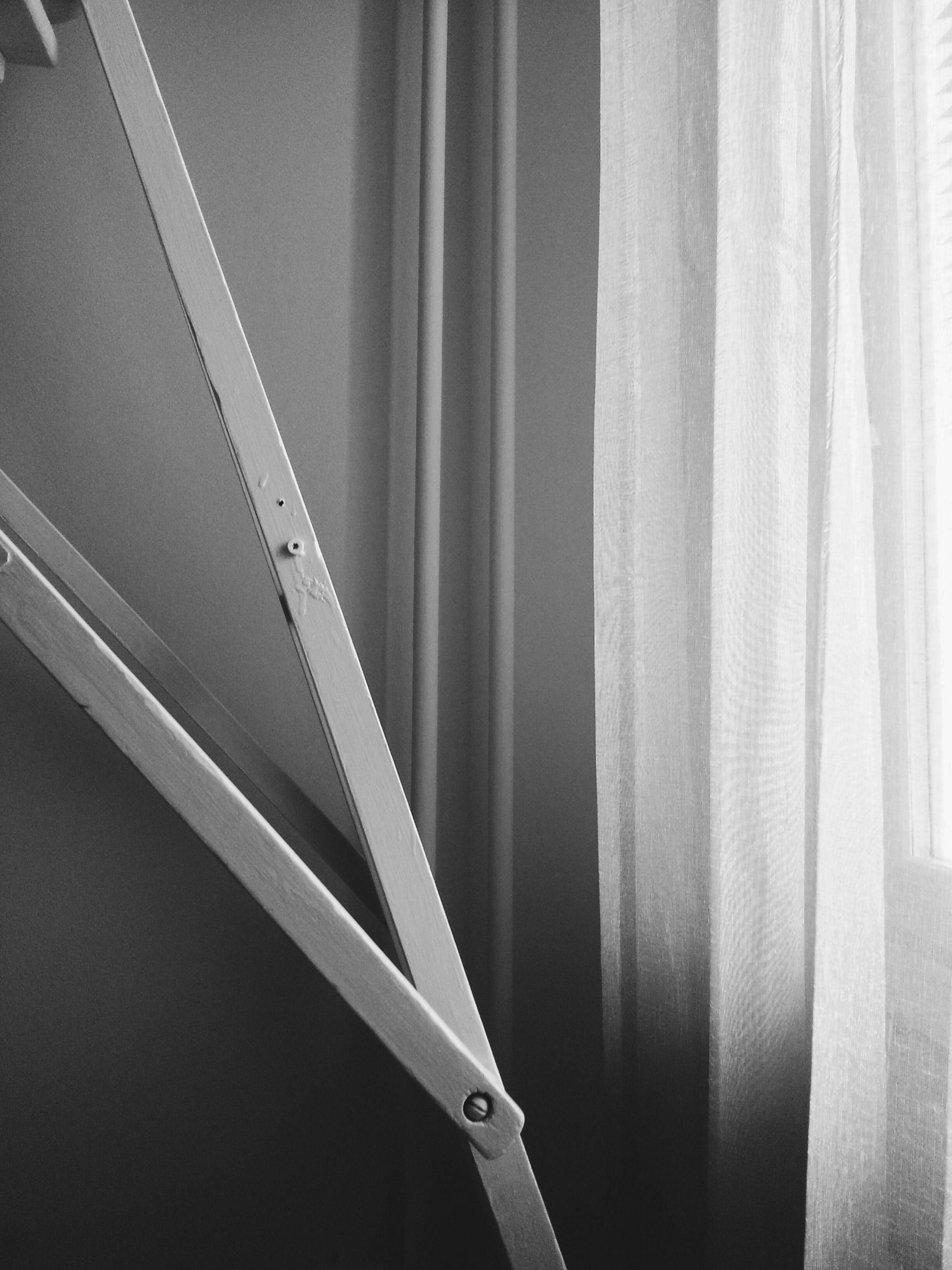 indoors, curtain, built structure, wall - building feature, white color, home interior, pattern, no people, architecture, textile, close-up, hanging, ceiling, full frame, design, backgrounds, white, window, fabric, day