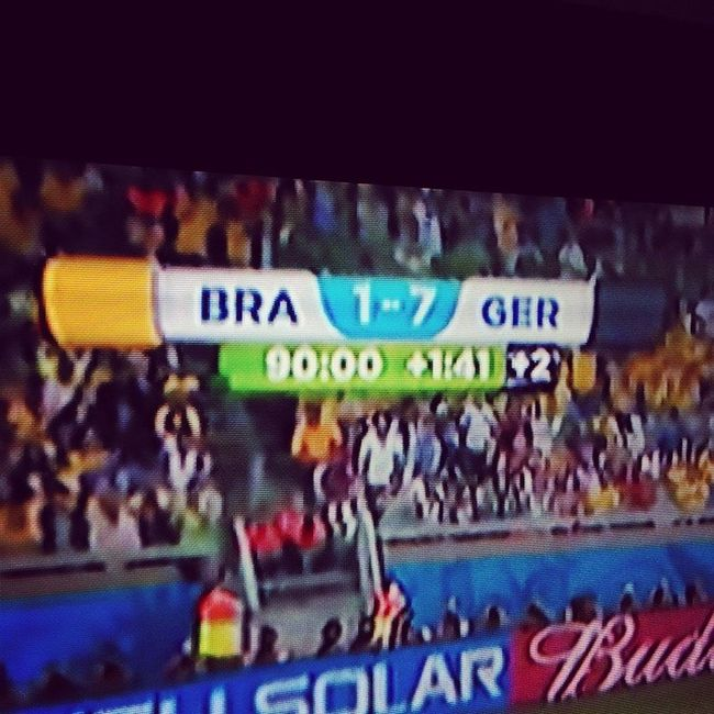 A historical moment! Germany 7 - Brasil 1. Ger AneurerSeite BereitWieNie BraGer WorldCup2014