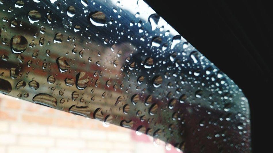 Дефлектор Drop Wet Window Close-up Water Indoors  No People RainDrop Day Architecture дефлектор Дождь мокро сырость капли