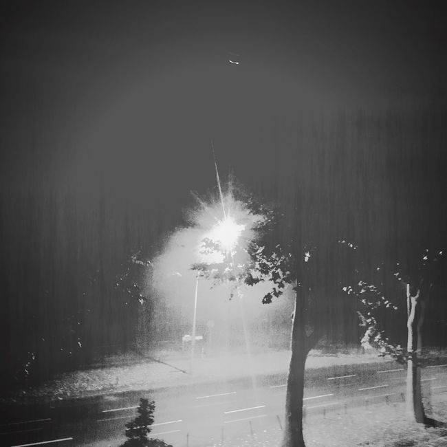 Vintage Vintage Photo Vintage Style Night No People Blackandwhite Oldphotography Blackandwhite Photography Berliner Ansichten Berlin Light Streetlight