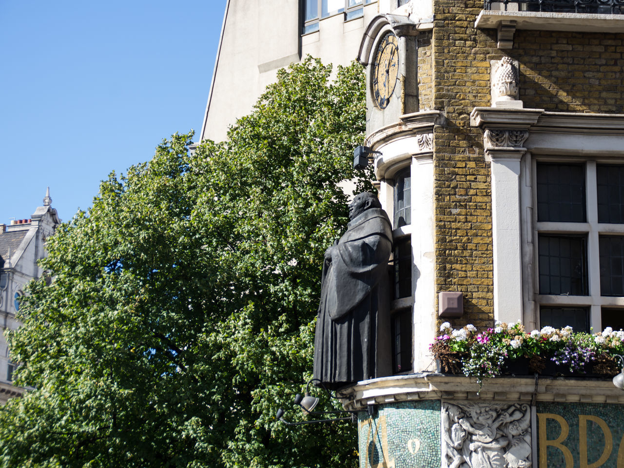 Cheerful Friar over the pub door :) Architecture Blackfriars Bricks Britain City City Life Clock England Friar London Photography Pub Sculpture Statue Summer Trees Window