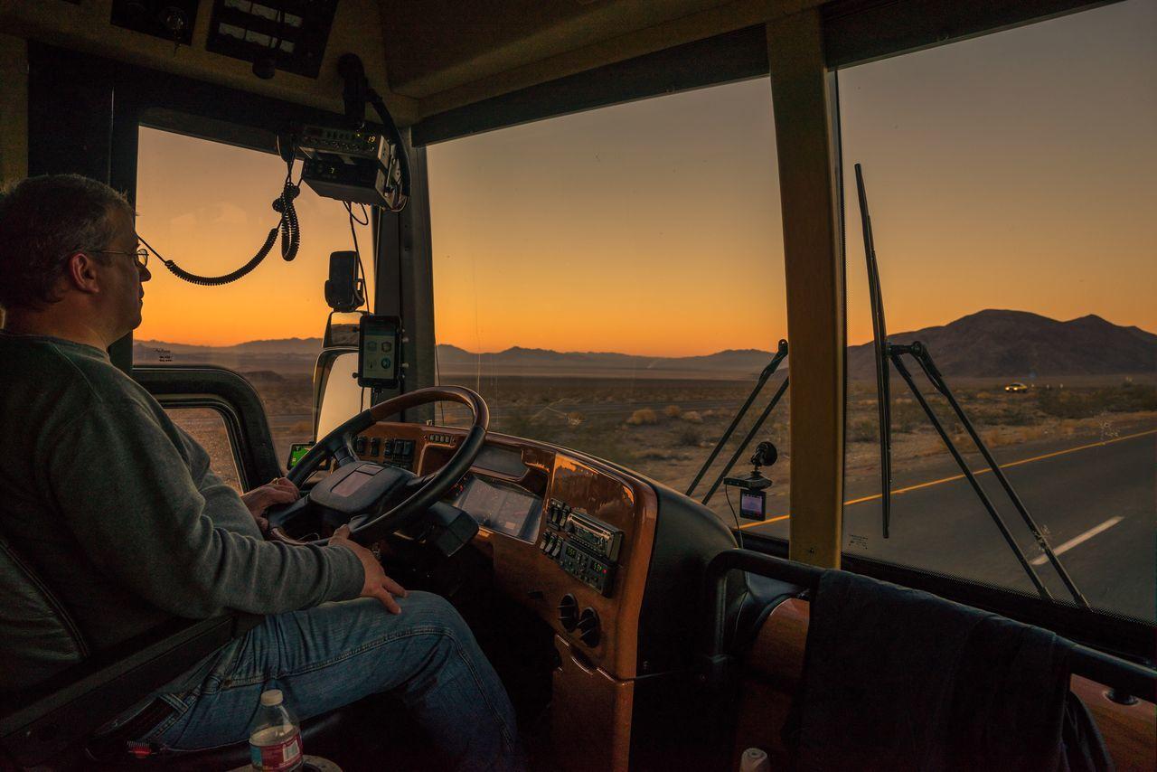 John is the best bus driver 🌅📸 Window Sunset Landscape Mountain Sky Losangeles Desert Sunrise Tourbus Bus Driving Sony Sonyalpha Sonya7r