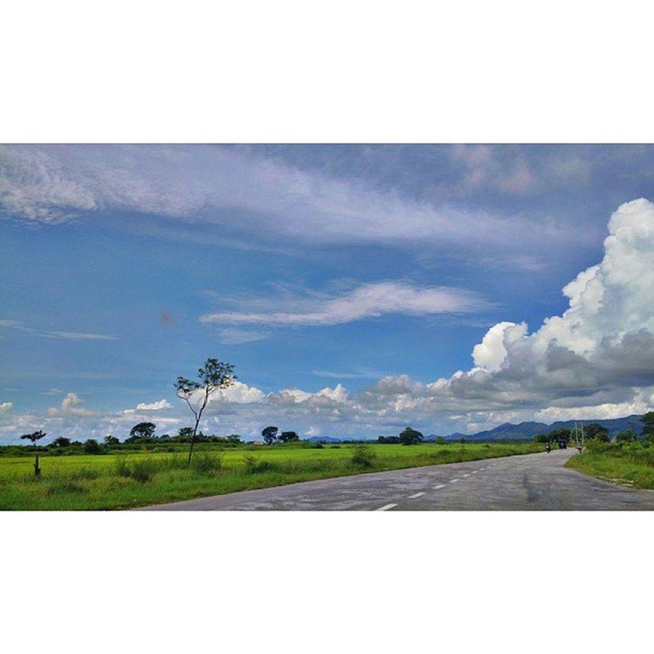 ခရီးသြားမိုးတိမ္ Jipsy Clouds Cloud Sky instatravel travelgram myanmar igersmyanmar roadtrip