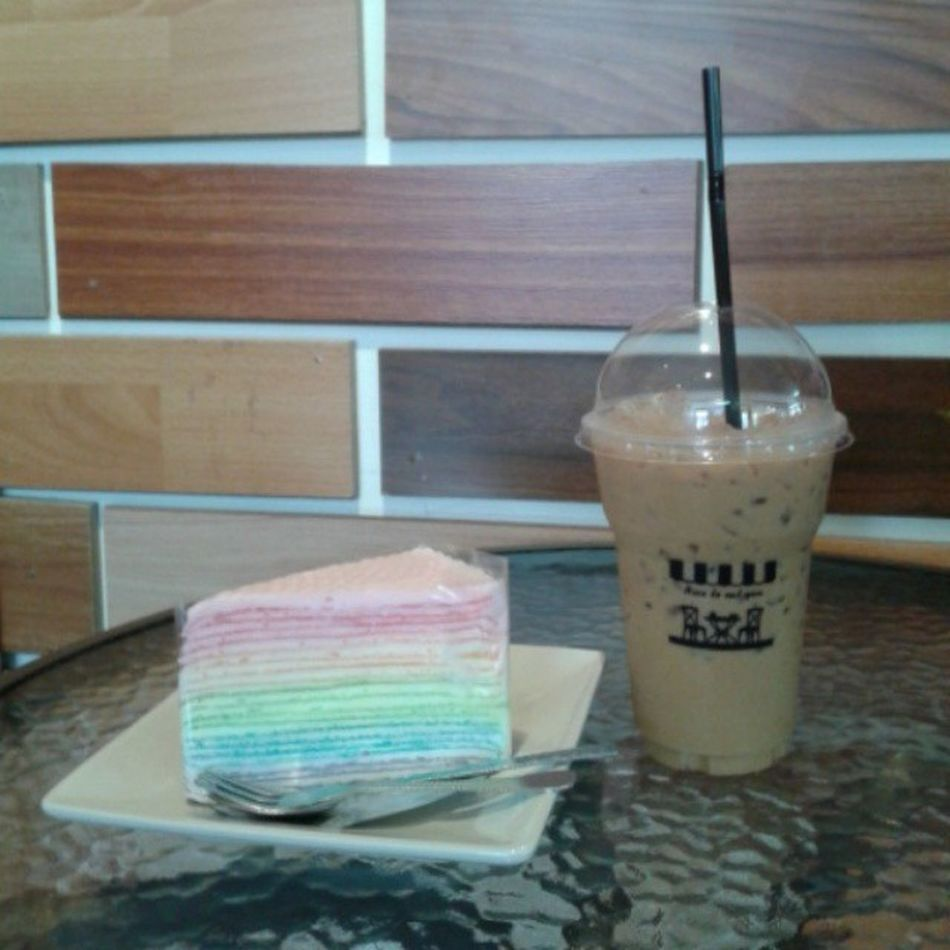 Nice to meet you Nice to eat you Coffee Coffeemania Espresso Rainbow rainbowcrabcake nicetoeatyou