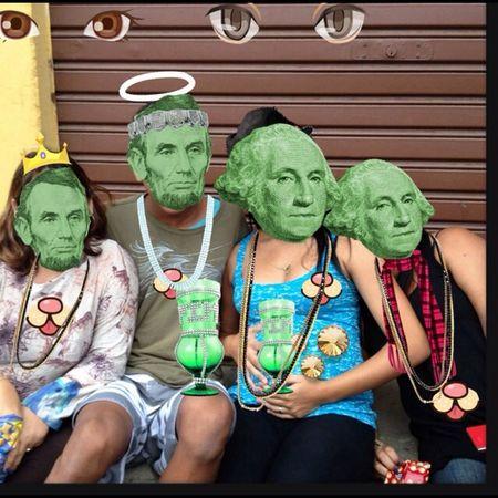 Dólares family ???