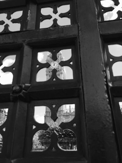 Londony of London] Bigben Blackandwhite Frame It! Travel Photography Greatest City In The World Clock