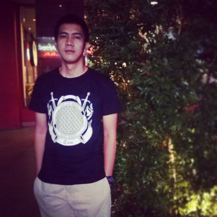 """Wearing """"the air magic"""" tees, im still charming, huh? Theairmagic I Love This Brand That's Me Hanging Out"""