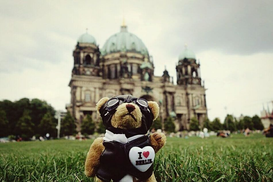 I need to see you again, check how much off you i dreamt up in my head. I can't remember, what's a memory and what i invented... - i want to go back to Berlin 🌍✈✨ Wanderlust Berlin Berliner Dom Memories Travel City Life Historical Building City Lover Miss This City My Beautiful City