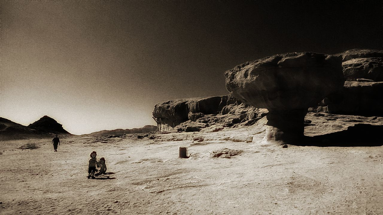Monochrome Photography Errosion Mushroom Desert Children Traveling Timnapark Landscape