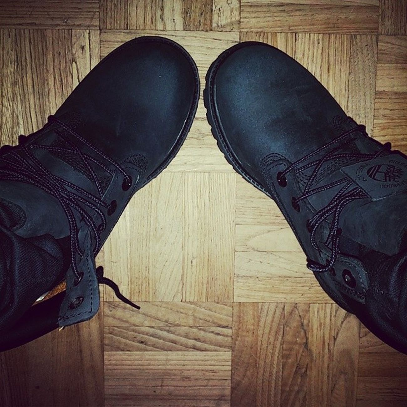 I paid custom taxes getting them at the post office 😠😠😠 but damn i wanted them sooooo bad ! I guess thats my bday gift in advance 😳😳😳😳😳😳😝😝😝😝😝 Timberland Black DOPE Happy