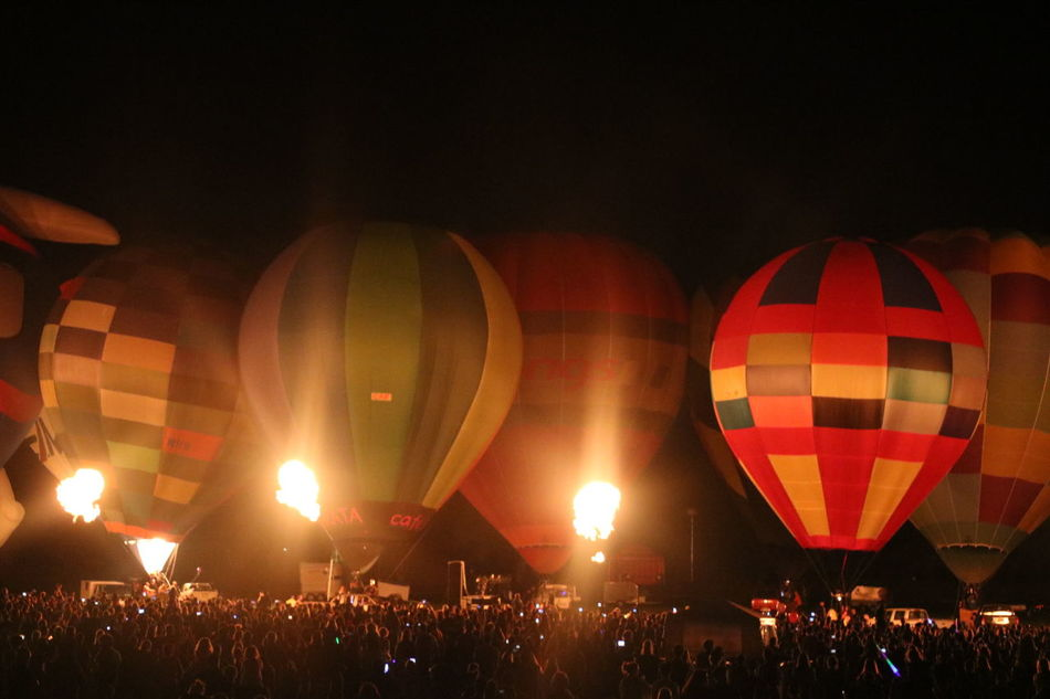 Ballooning Festival Colourful Crowd Eyeemnaturelover EyeEmNewHere Flames & Fire Fresh On Eyeem  Fun Hot Air Balloon HotAirBallonFestival Inflatables Large Group Of People Night Nightglow Nightphotography Outdoors People