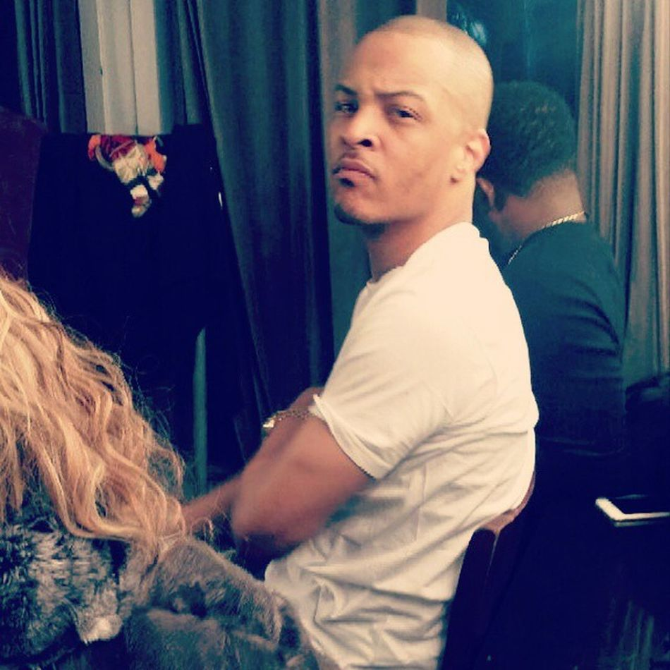 @quanmaserati and T.I in the dressing room- Ymt YOUNGMILLIONAIRETEAM . WeWorking