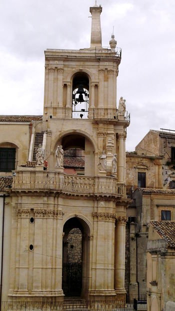 Architecture Building Exterior Chiesa Di San Paolo Cielo Nuvoloso Città Barocche Della Val Di Noto Elementi Architettonici No People Outdoors Palazzolo Acreide Religione Religious Architecture Sculptures Sculture Sicilia Siracusa Sicily Statue Stile Barocco UNESCO World Heritage Site